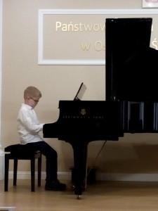 3. Filip Wyrębkiewicz kl.II Mały Chińczyk-fortepian